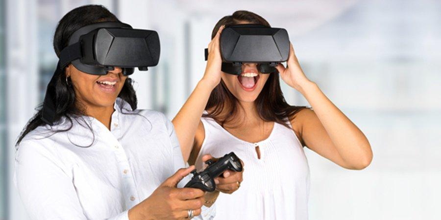Exploring_through_Virtual_reality